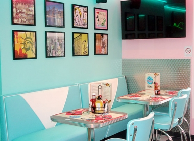 Restaurant Dallas Dinner agencé par Atelier 41